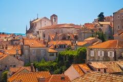 Toits rouges de Dubrovnik Photographie stock