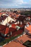 Toits rouges de Prague Photos libres de droits
