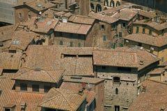 Toits typiques de maison à Sienne, Italie Photographie stock libre de droits