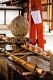 美妙和典雅的洗净喷泉在日本 免版税库存照片