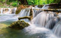 Tok Chet Sao Noi Waterfall numérique, Saraburi, Thaïlande Photographie stock libre de droits