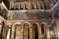 Tokali Kilise内部与扣的壁画教会的 免版税图库摄影