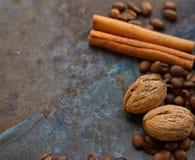 Tokig kanelbrun pinne för kaffebönor Royaltyfri Fotografi
