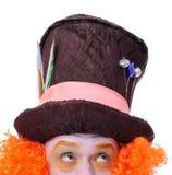 Tokiga olika ansikts- sinnesrörelser för hattmakare` s Närbildstående av smi Royaltyfri Bild