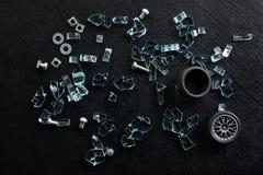 Tokigt och brutet exponeringsglas Arkivfoto