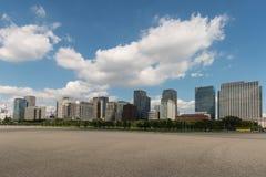 Tokio central con los rascacielos Imagen de archivo libre de regalías
