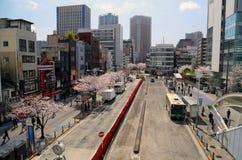 Tokio dzielnica biznesu z biznesmenami Zdjęcie Stock