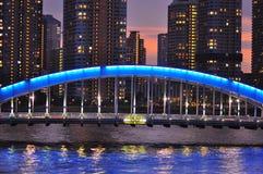 Tokio en la noche - puente del bashi de Eitai Foto de archivo libre de regalías
