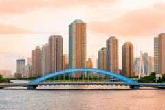Tokio Highrise kondominium i Sumida rzeka Obrazy Stock