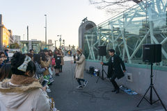 Tokio, Japón - 26 de enero de 2016: Demostración de la danza en el starion del harajuku Fotos de archivo libres de regalías
