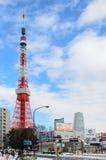 Tokio, Japón - 9 de febrero de 2014: Torre de Tokio imágenes de archivo libres de regalías