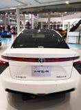 Tokio, Japón - 2 de julio de 2018: Toyota Mirai es un vehículo híbrido de la pila de combustible del hidrógeno exhibido en el web imagenes de archivo