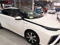 Tokio, Japón - 2 de julio de 2018: Toyota Mirai es un vehículo híbrido de la pila de combustible del hidrógeno exhibido en la exp imagen de archivo libre de regalías
