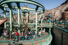 TOKIO, JAPÓN - 21 DE MARZO: Tokio Disneyland es los 115 acres (465.000 Fotografía de archivo libre de regalías