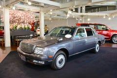 Tokio Japonia, Kwiecień, - 2, 2015: Toyota wiek w Toyota sieci Megiej sala wystawowej na Odaiba wyspie Ten limuzyna produkuje gło Obrazy Stock