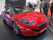 TOKIO JAPONIA, Listopad, - 23, 2013: Budka przy Peugeot obraz royalty free
