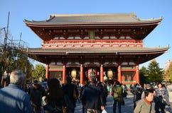 TOKIO JAPONIA, NOV, - 21: Buddyjska świątynia Senso-ji jest symbo Obraz Stock