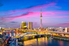Tokio, Japonia Sumida linia horyzontu zdjęcia stock