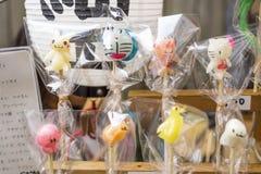 Tokio Japonia, Wrzesień, - 24 2017: Manga charaktery jako lollypops na kiju Zdjęcia Royalty Free