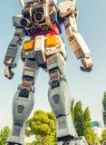 TOKIO, MAJ - 22, 2016: Pełnych rozmiarów Mobilny kostium Gundam Przy magistralą obrazy stock
