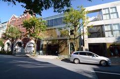 TOKIO, NOV - 24: Detaliczni sklepy na Omotesando ulicie na Listopadzie 24 Obraz Royalty Free