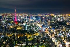 Tokio pejzażu miejskiego sceny nighttime od niebo widoku Roppongi H Zdjęcia Stock