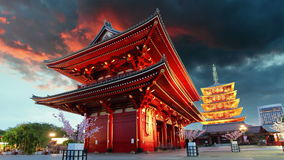 Tokio - Sensoji-ji, templo en Asakusa, Japón, lapso de tiempo Imagen de archivo libre de regalías