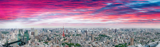 Tokyo al tramonto Bella vista aerea nell'alta risoluzione Fotografie Stock