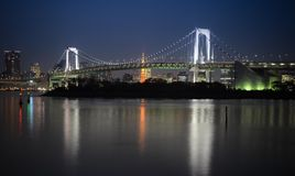 Tokyo-Bucht an der Regenbogen-Brücke Stockfotografie
