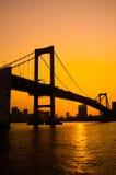 Tokyo-Bucht an der Regenbogen-Brücke Stockbild