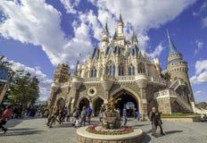 Tokyo Disneyland slott Royaltyfria Bilder