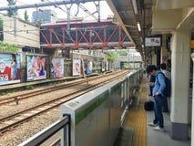 TOKYO, GIAPPONE - 26 luglio 2017: Incrocio dei pedoni all'Ass.Comm. di Shibuya Fotografia Stock Libera da Diritti