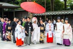 TOKYO, GIAPPONE - 10 OTTOBRE 2015: Celebrazione di uno shintoista tipico fotografia stock