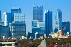Tokyo horisont i trevlig dag arkivfoton