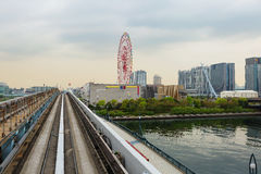 Tokyo Isola di Odaiba Linea Yurikamome Ferris Wheel Fotografie Stock Libere da Diritti
