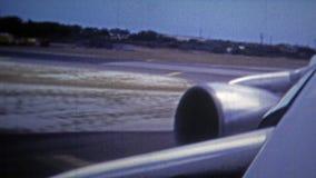 TOKYO, JAPAN -1972: De mening van de de Luchtmachtjet van de V.S. van de hemel stock footage