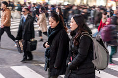 TOKYO, JAPAN - JANUARI 28, 2017: Shibuyadistrict in Tokyo Beroemde en bezigste kruising in de wereld, Japan De Kruising van Shibu Stock Afbeelding