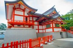 TOKYO, JAPAN JUNI 28 - 2017: Het heiligdom van Hanazono Jinja Shinto van het Hanazonoheiligdom in Shinjuku-afdeling, gewijd aan I Royalty-vrije Stock Foto