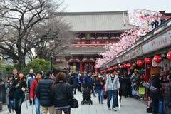 TOKYO, JAPAN - 10 Maart, 2016: Lopende straat, Asakusa Royalty-vrije Stock Foto's