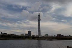 TOKYO, JAPAN - MEI 25, 2013: Tokyo Skytree is een nieuwe televisi Stock Foto's