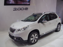 TOKYO JAPAN - November 23, 2013: Bås på Peugeot Royaltyfri Foto
