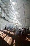 Tokyo, Japan - November 23, 2013: De Japanse mensen bezoeken Nationaal Art Center in Tokyo Royalty-vrije Stock Foto