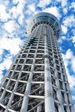 TOKYO, JAPAN - 31. OKTOBER 2017: Ansicht des Fernsehturm ` der himmlische Baum von Tokyo-` Kopieren Sie Raum für Text vertikal An lizenzfreie stockfotos