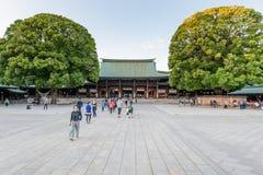 TOKYO, JAPAN - OKTOBER 07, 2015: Ingang aan KeizerdieMeiji Shrine in Shibuya, het heiligdom van Tokyo wordt gevestigd dat aan dei royalty-vrije stock fotografie