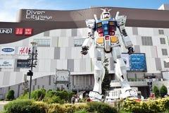 TOKYO JAPAN - September 6 2016: I naturlig storlek mobil dräkt Gundam RG Arkivbilder