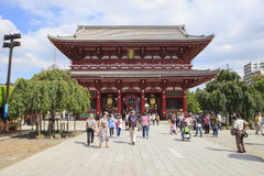 TOKYO JAPAN - SEPTEMBER12  : large number of tourist in sensoji Royalty Free Stock Photos