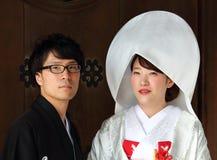 Tokyo, Japon - 5 août 2017 : Couples japonais leur jour du mariage au temple de Meiji Jingu Images libres de droits