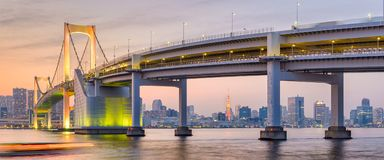 Tokyo, Japon au pont en arc-en-ciel photo libre de droits