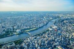 TOKYO, JAPON - MAI 2016 : Vue aérienne de ville de Tokyo prise à partir du dessus de la tour de Tokyo Skytree Image stock