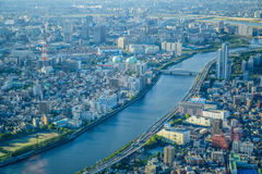 TOKYO, JAPON - MAI 2016 : Vue aérienne de ville de Tokyo prise à partir du dessus de la tour de Tokyo Skytree Image libre de droits